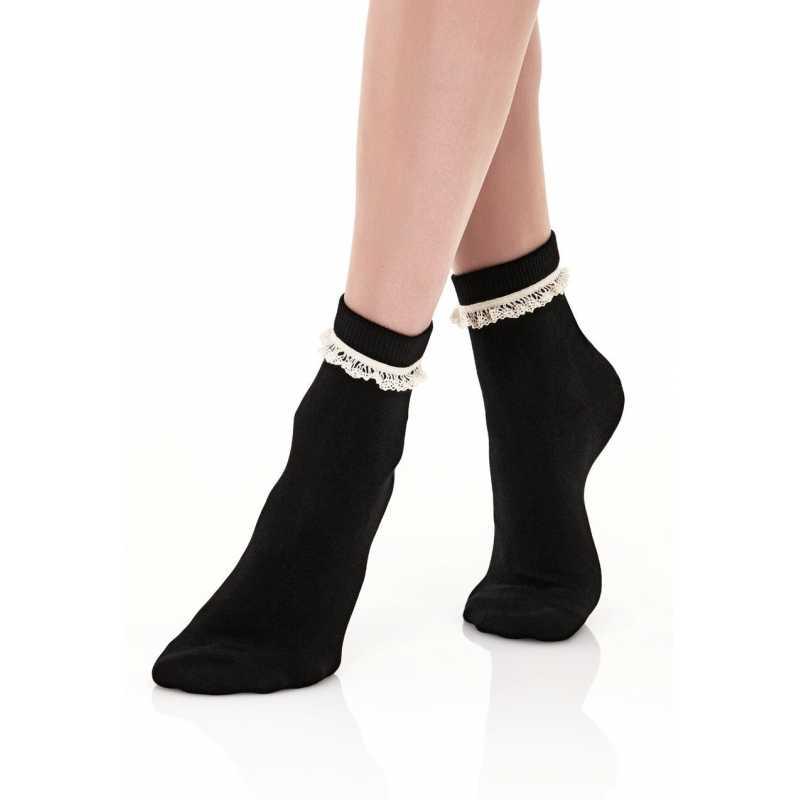 Къси чорапи с ръчно плетена дантела