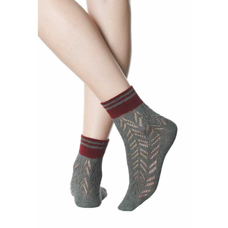 Къси плетени чорапи