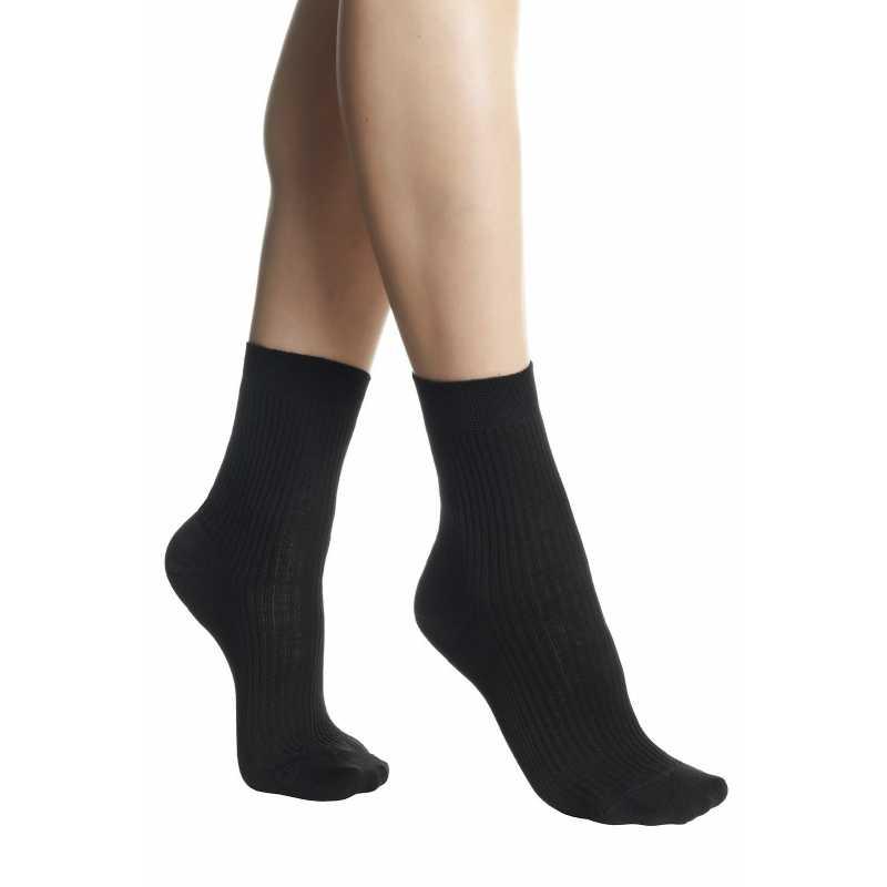 Къси черни чорапи на рипс