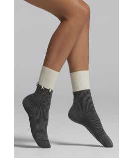 Къси дамски чорапи с камъчета
