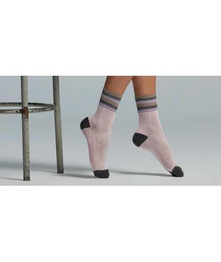 Къси дамски чорапи в бледо розово и черно
