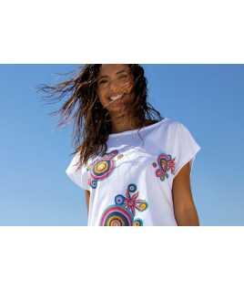 Памучна плажна рокля с цветни орнаменти